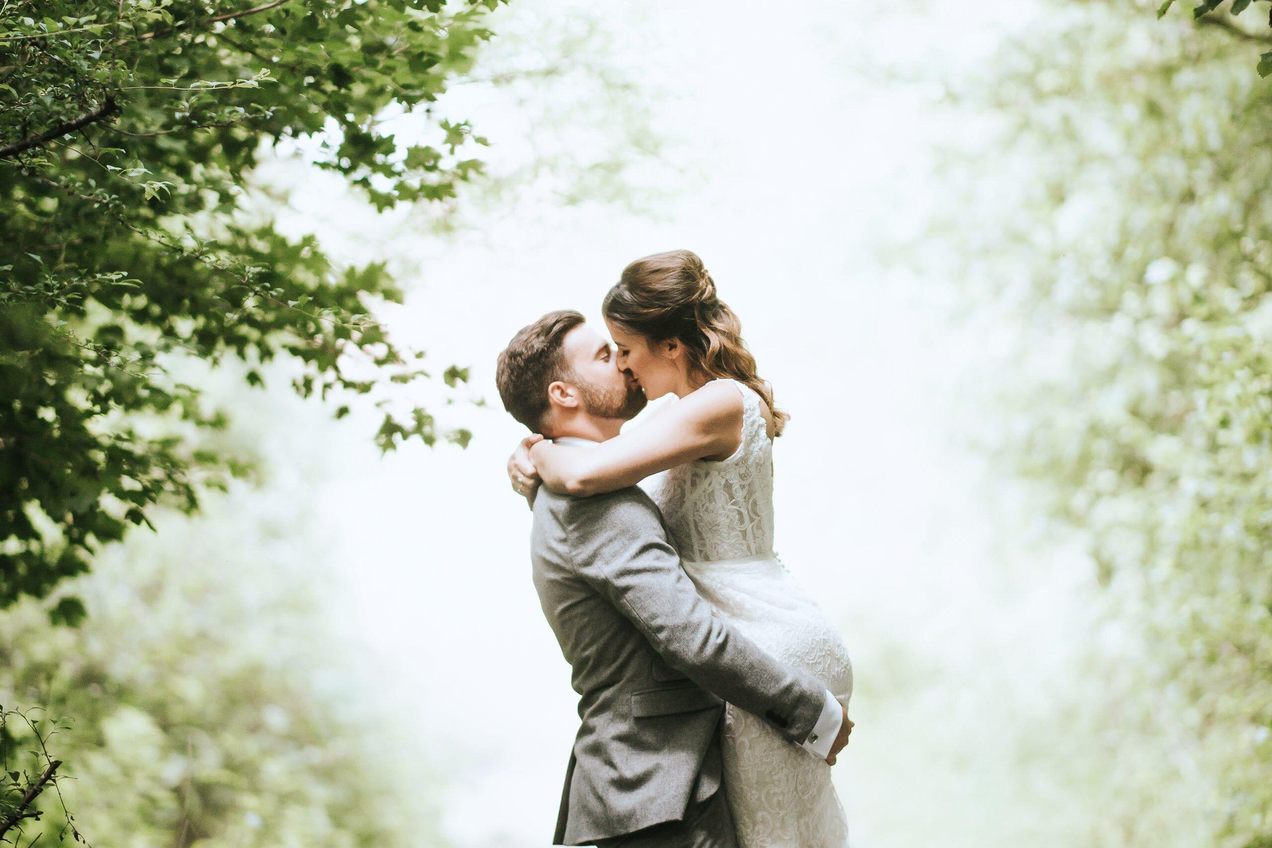 Wedding Photographer Hampshire- Skylark Club 103