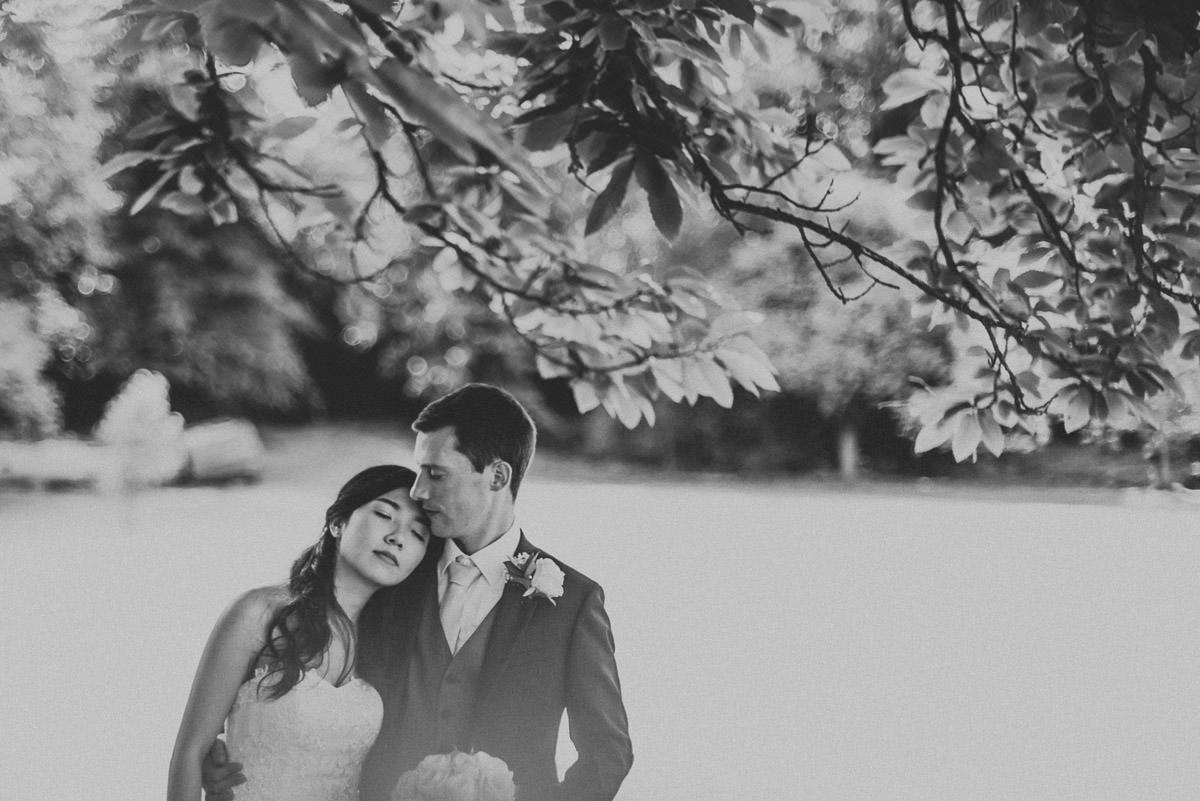 missenden abbey wedding couple shoot