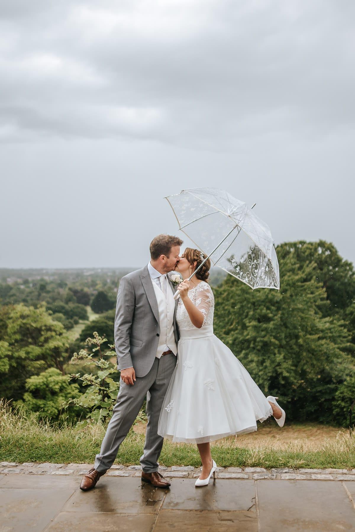 pembroke lodge wedding couple kiss