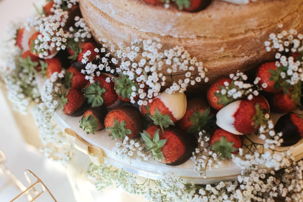 tipi wedding berkshire strawberry wedding cake