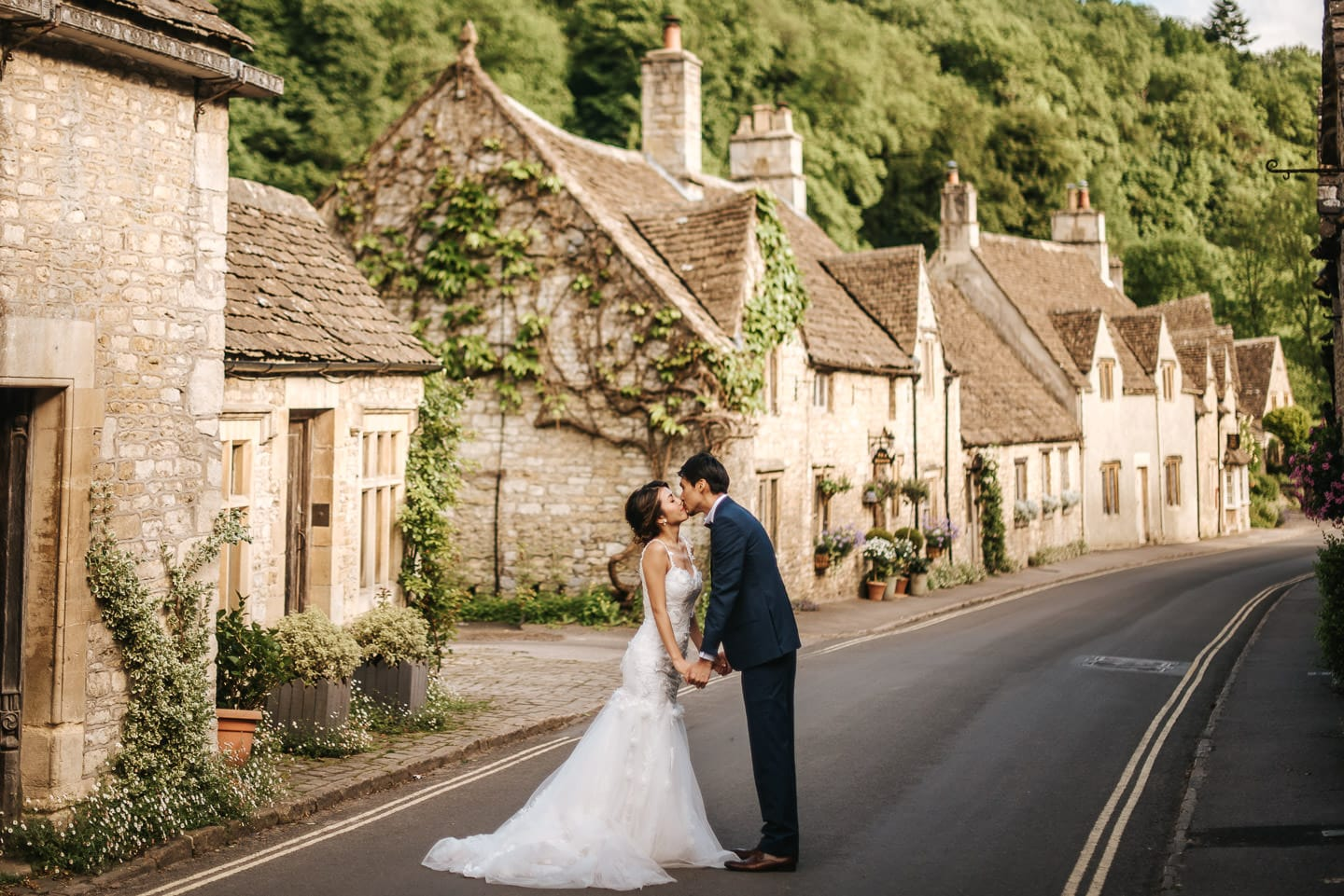 wedding couple at castle combe