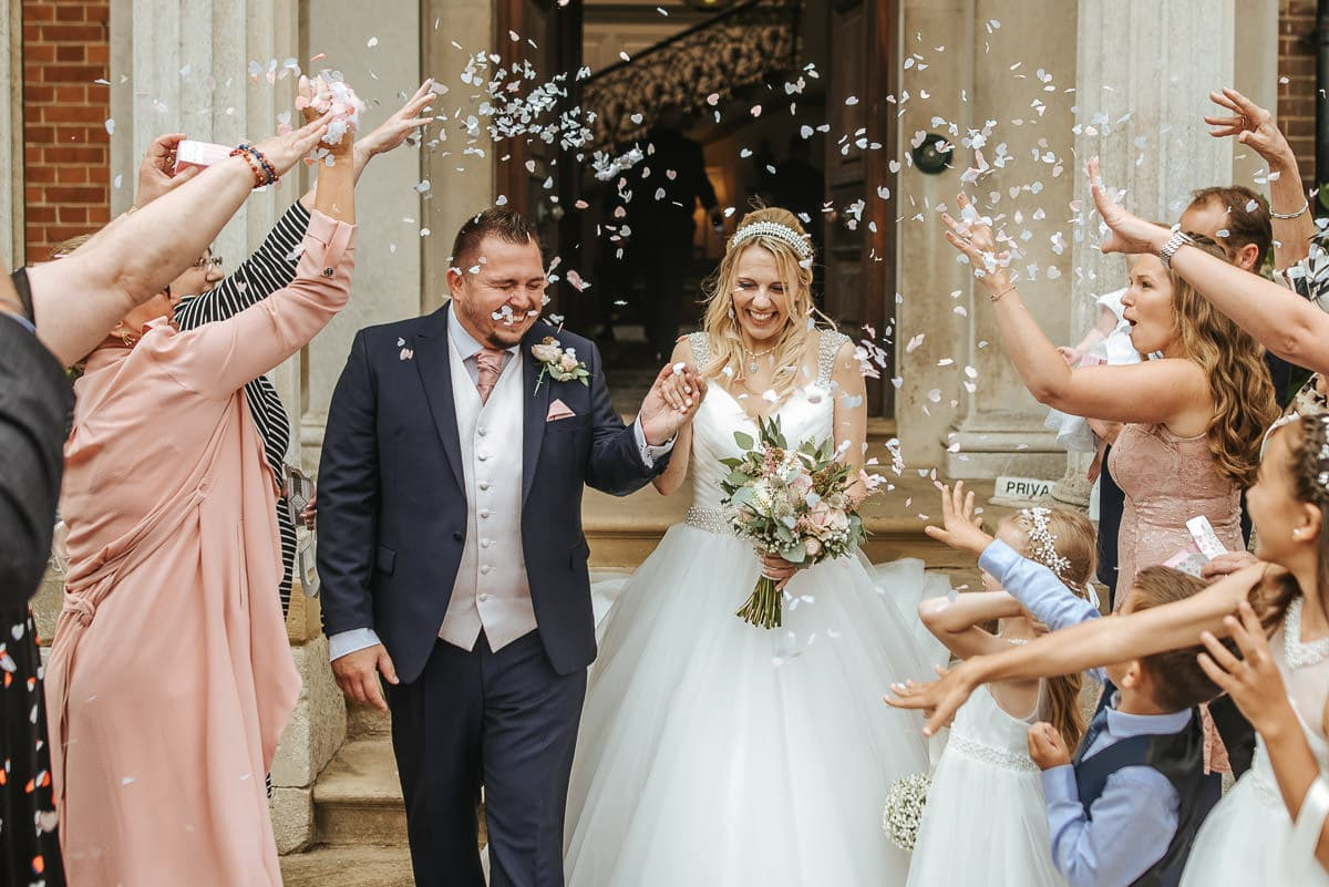 mount ephraim gardens wedding confetti shot