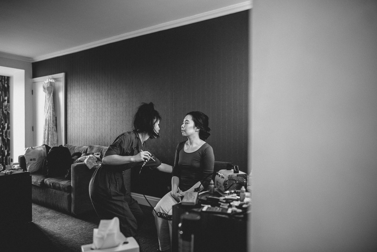 chinese wedding photography london bride getting ready