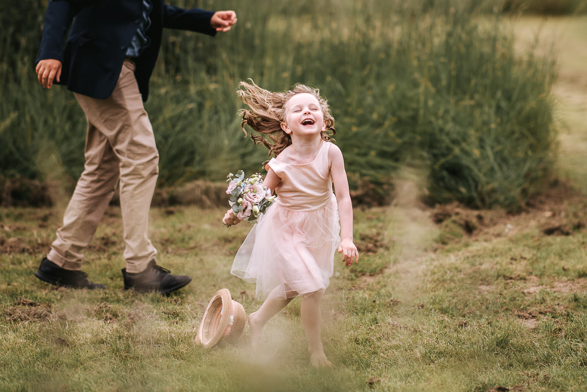 great barn rolvenden wedding flower girl