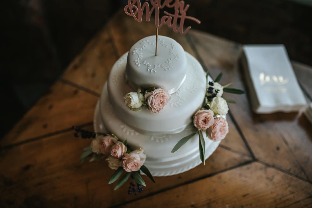 islington town hall wedding brookmill pub reception wedding cake