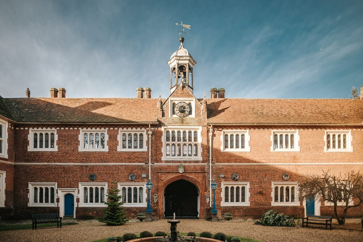 gosfield hall wedding courtyard