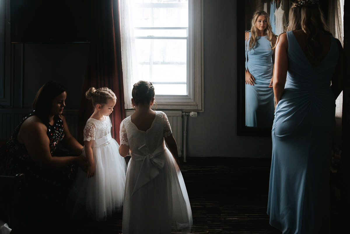 colville hall wedding getting ready at saracen hotel