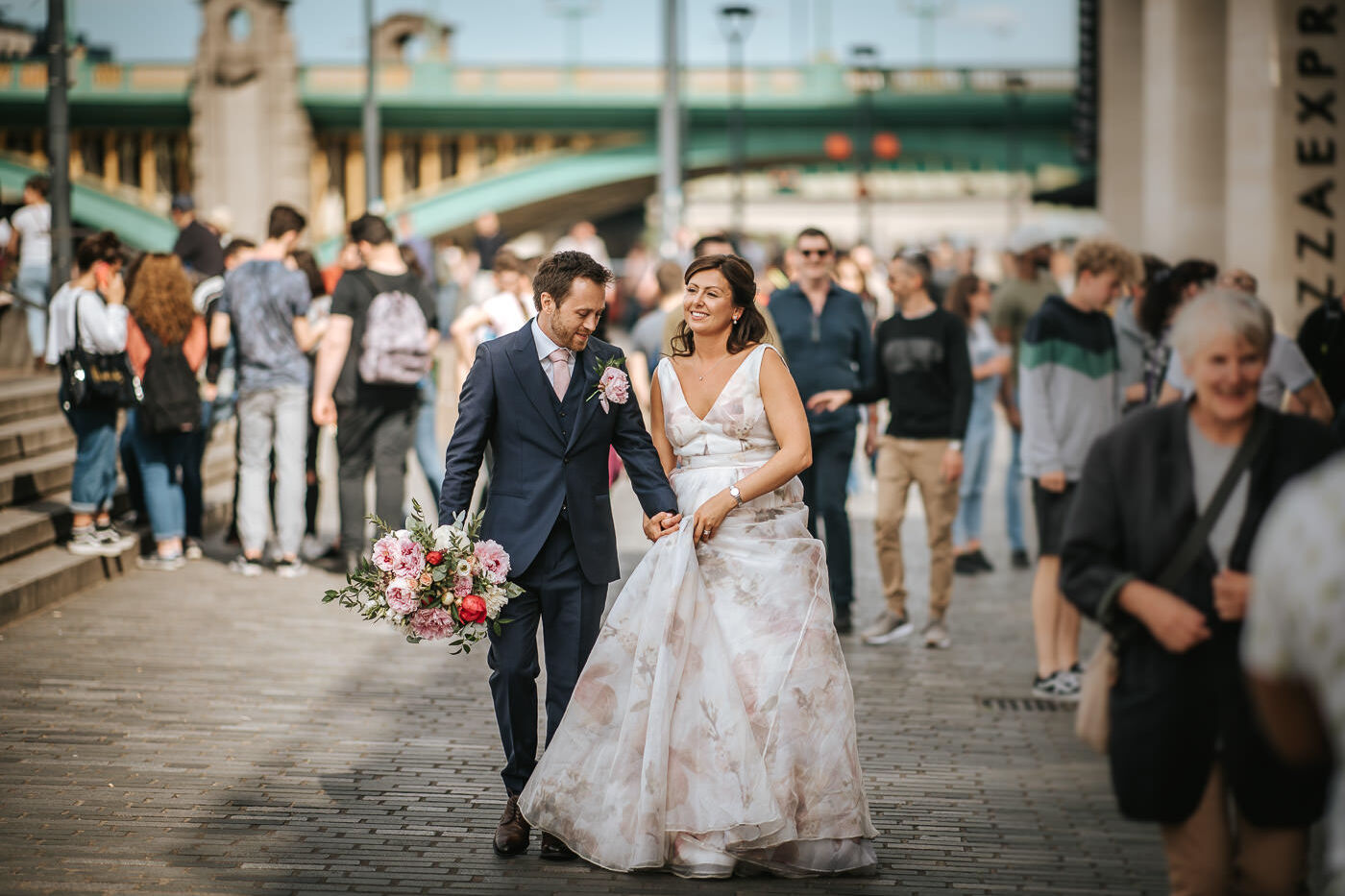 The swan at shakespeare's globe wedding photography london